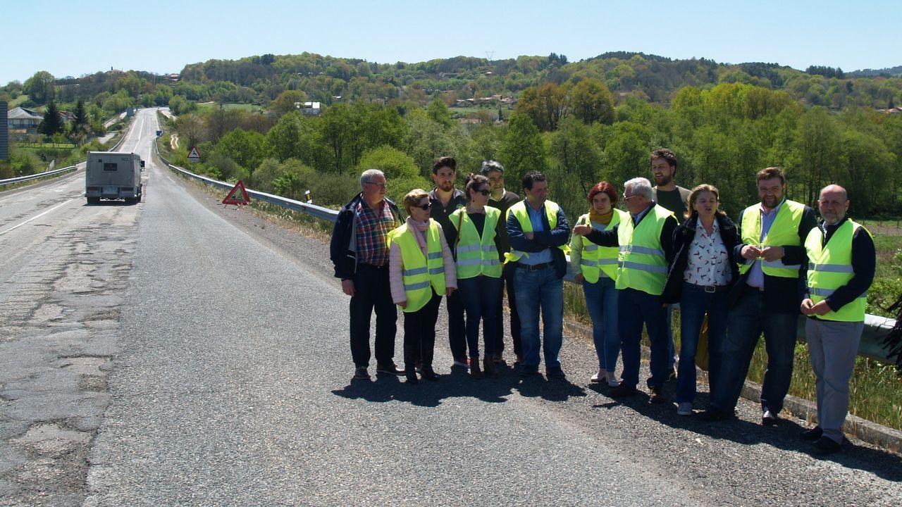 Exhibición de las diferentes unidades de la Guardia Civil en Sarria