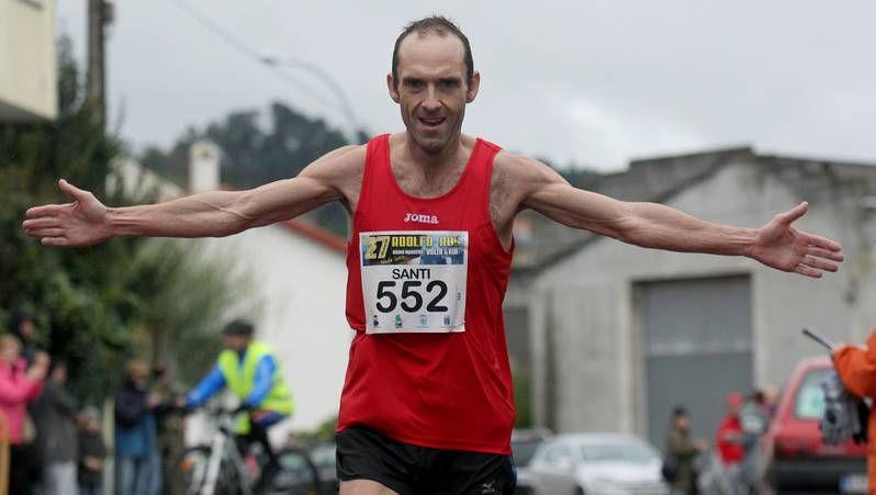 Santiago López, primer clasificado en la media maratón de la ría de Ferrol