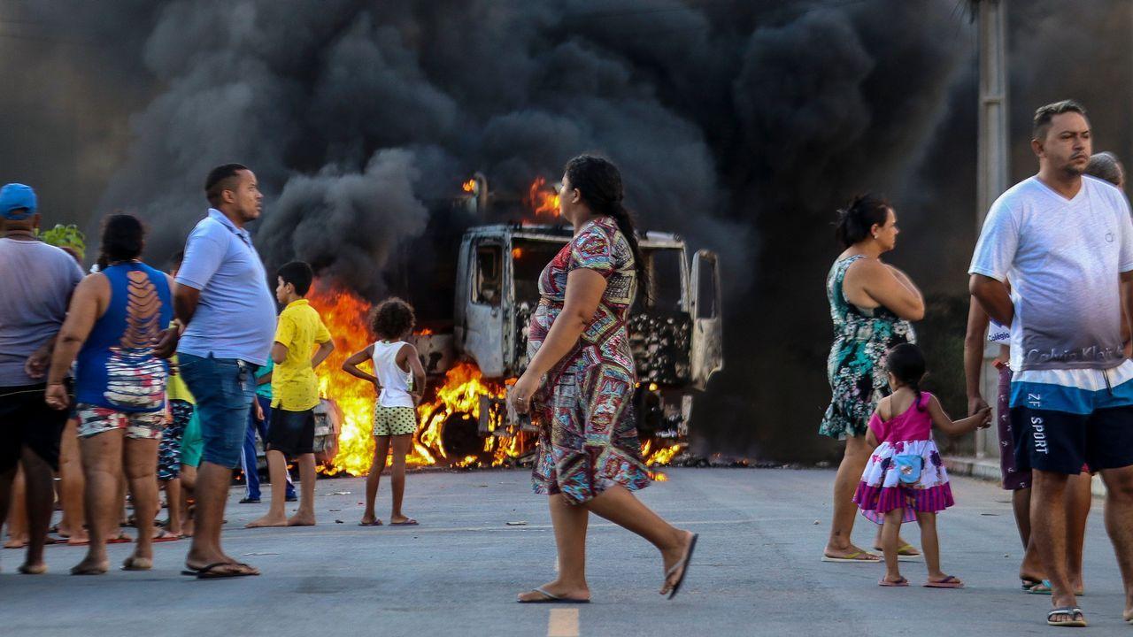 Vecinos de la Costa da Tapia quieren irse a Oleiros.Violencia en la localidad de O Povo, en Ceara