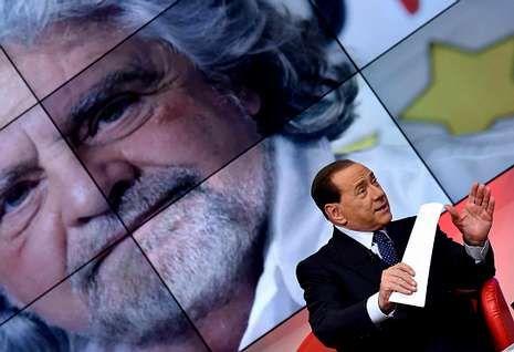 .Grillo y Berlusconi, muy presente pese a su inhabilitación, se enzarzaron en un cruce de insultos.
