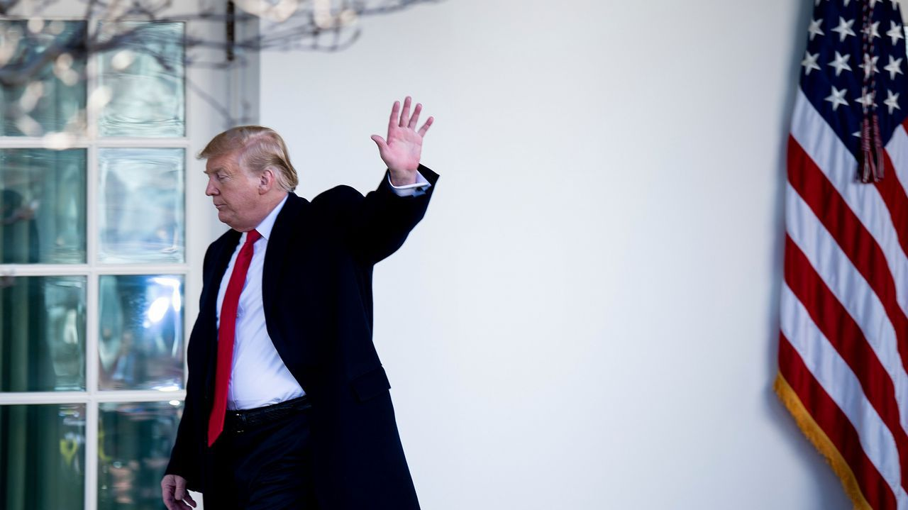 Donald Trump tras anunciar la apertura temporal del Gobierno