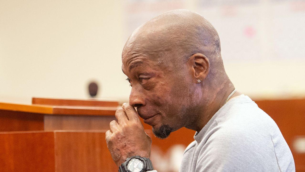.Plaintiff DeWayne Johnson se emocionó al oir el veredicto que condena a Monsanto a pagarle 289 millones de dólares