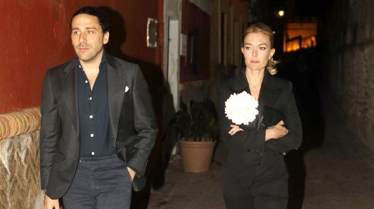 Marta Ortega, junto a Carlos Torretta, durante el desfile