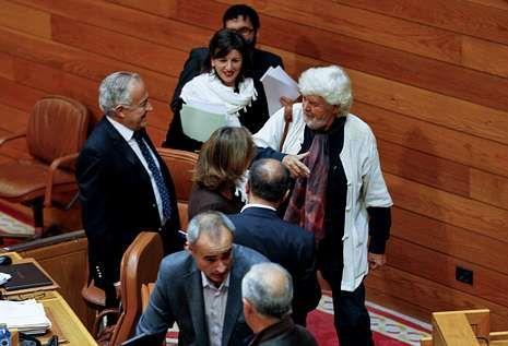 Beiras, Méndez Romeu y Yolanda Díaz cambian impresiones en uno de los últimos plenos.
