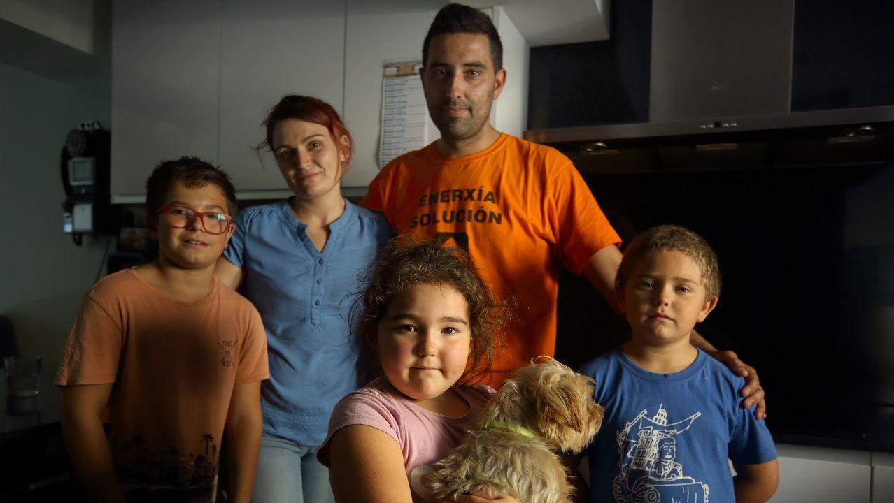 <span lang= gl >«Que futuro lle podo dar aos meus fillos?»</span>