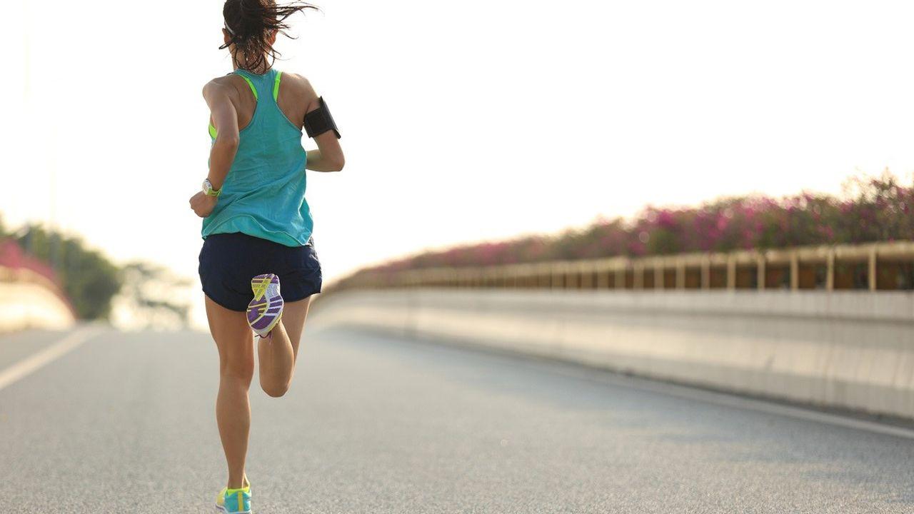 Mujer deporte deportista mujeres correr run running corriendo.