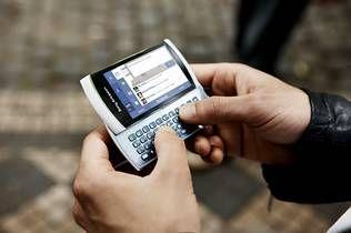 Acceso a Facebook a través del móvil Sony Ericsson Vivaz