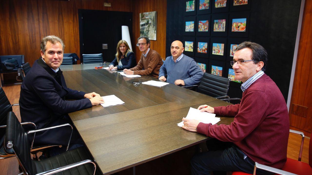 parada.Fundación ONCE ha celebrado en Oviedo un networking-desayuno a ciegas bajo el título «De la experiencia a la innovación social competitiva»