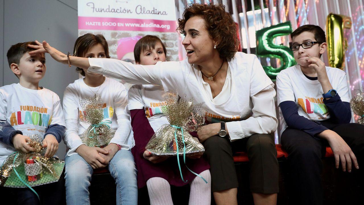 Miles de personas reclaman en Barcelona «seny» y un nuevo Govern.La mujer de Puigdemont acudió ayer a la prisión de Neumünster para visitar a su marido