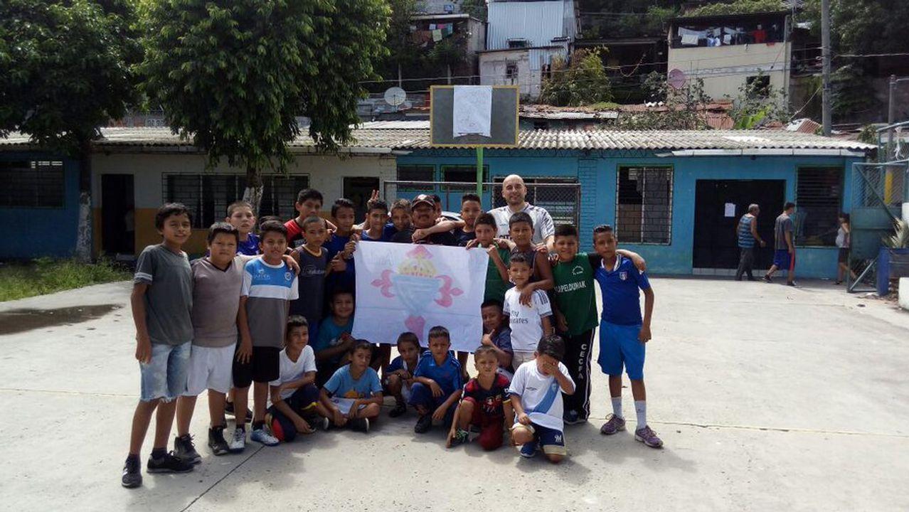 .Niños de El Salvador, celtistas gracias a Nico Domínguez