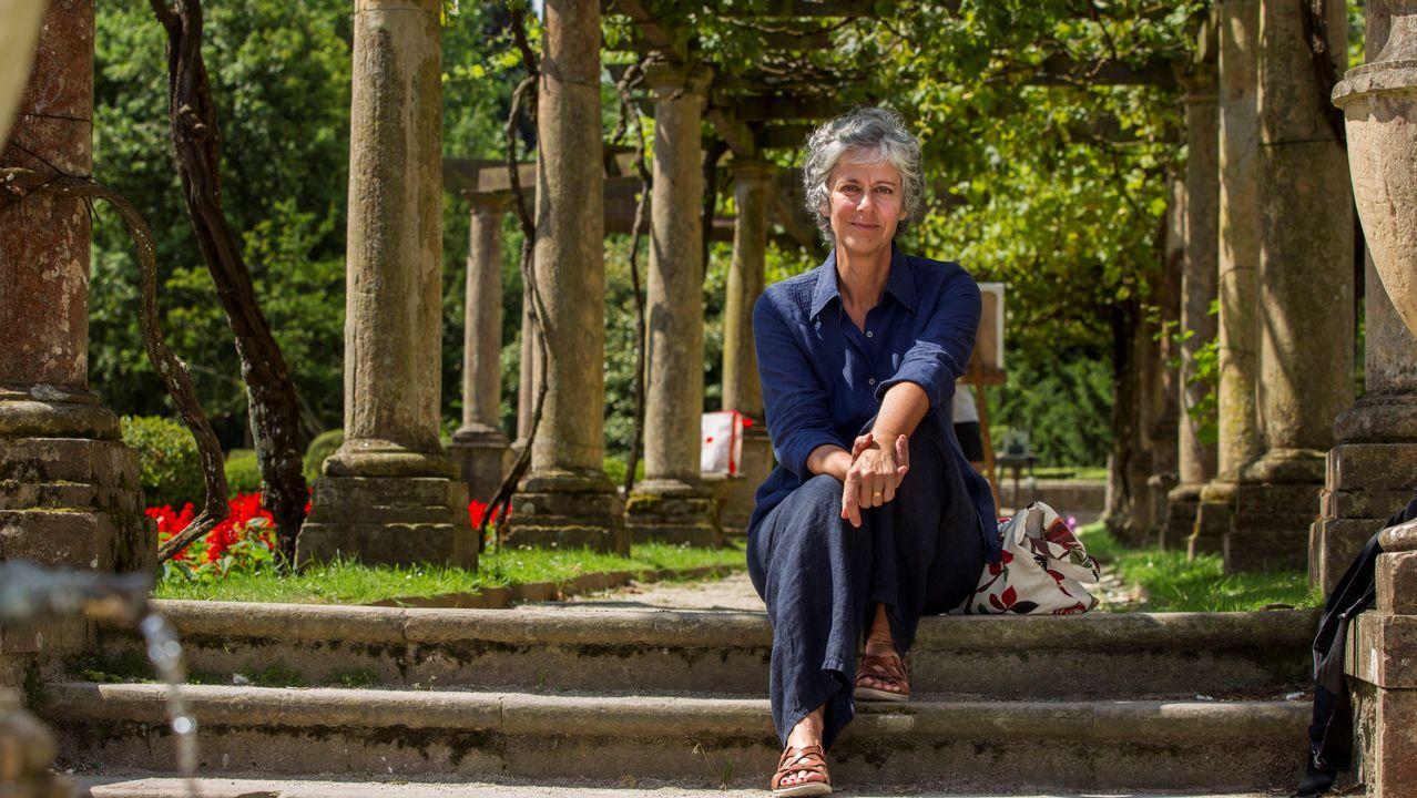 .La escritora italiana Elisabetta Gnone, autora de la exitosa saga «Fairy Oak», duante la entrevista concedida a Efe con motivo de su visita al Festival de Terror, Fantasía y Ciencia Ficción «Celsius 232» de Avilés