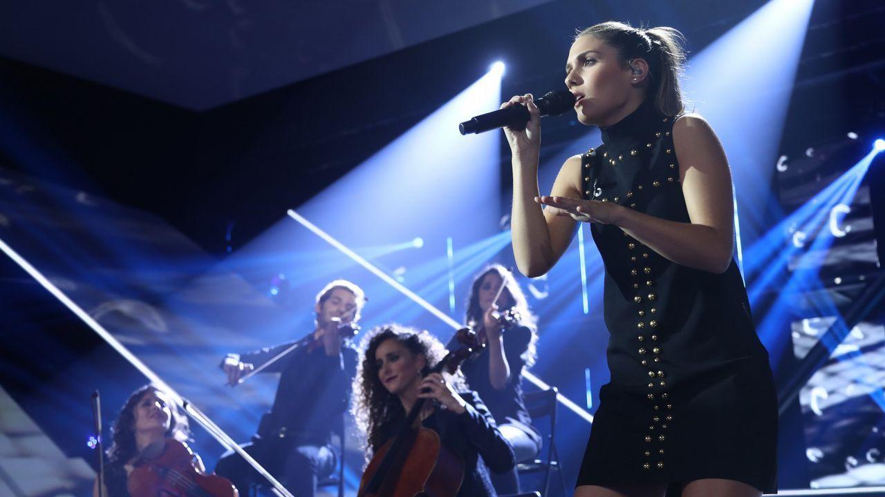 Sabela cantó en gallego el tema «Benditas feridas»