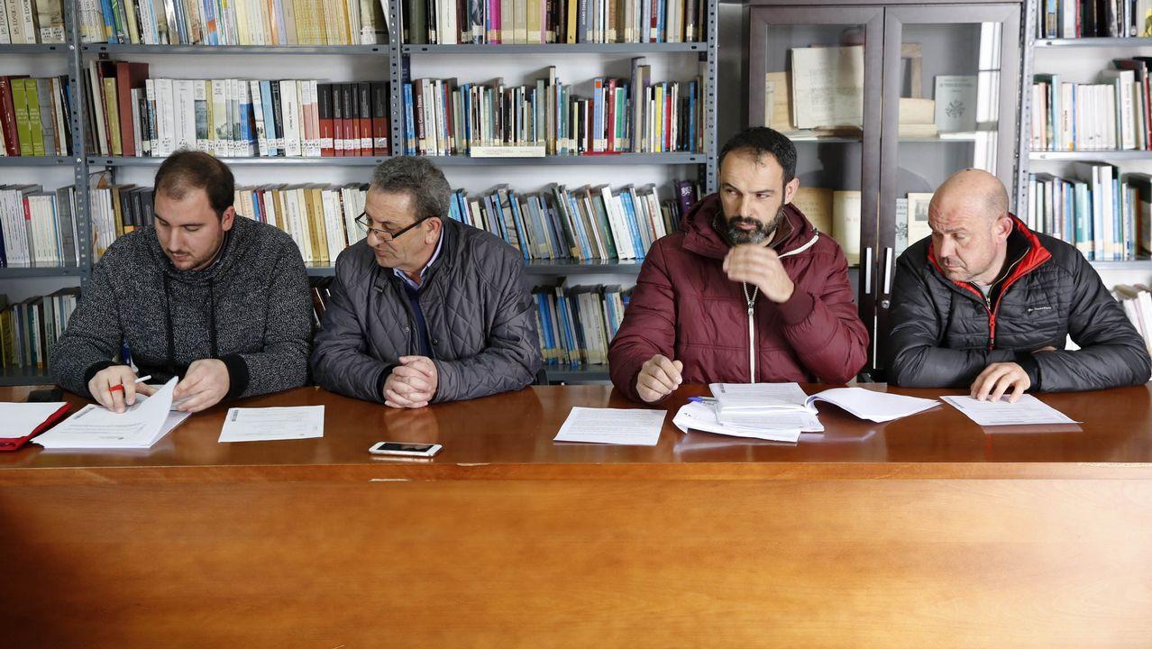 Pleno municipal do concello de Rairiz de Veiga.