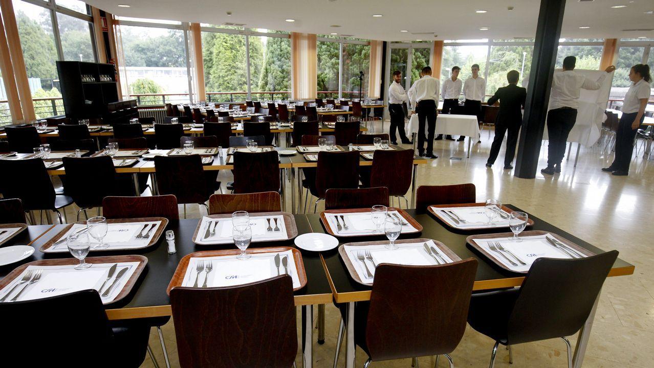 Los alumnos también reciben clases en un restaurante tipo bufet, en el que el trato con el cliente y la manera de servir es diferente
