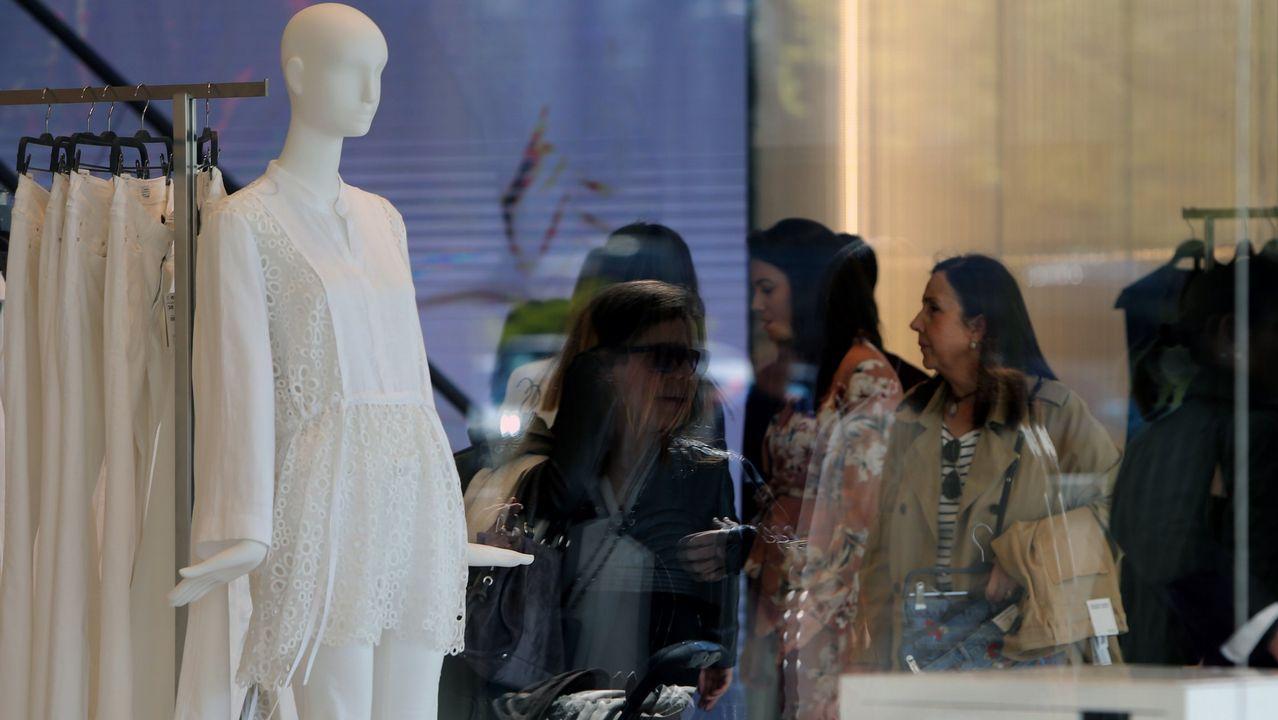 2018 | Vestido de mujer en Zara: 40 euros