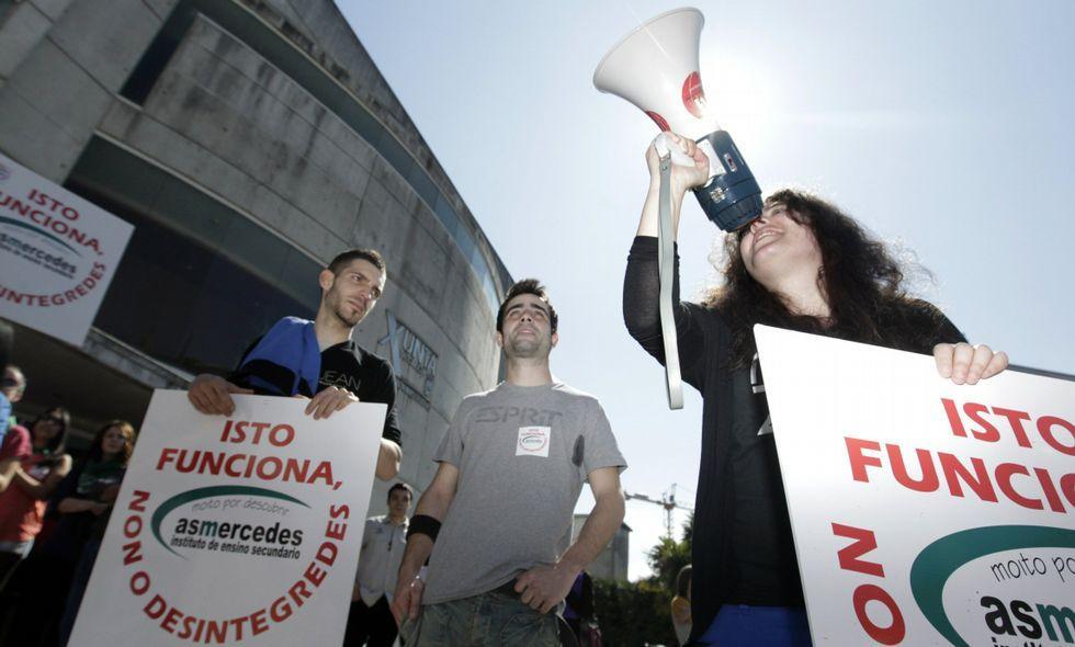 Imagen de una de las protestas de la plataforma el IES As Mercedes, que recurrió al TSXG.