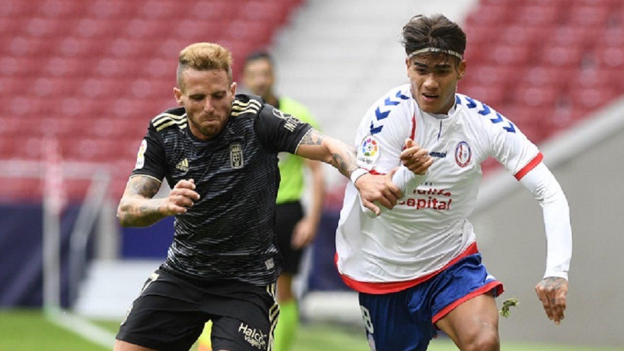 Aaron Fede Valverde Real Oviedo Rayo Majadahonda Wanda Metropolitano.Aarón Ñíguez y Fede Valverde pugnan por un esférico