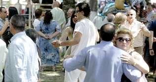 En la sesión vermú de Castro de Ribeiras de Lea bailaron jóvenes y adultos   óscar cela