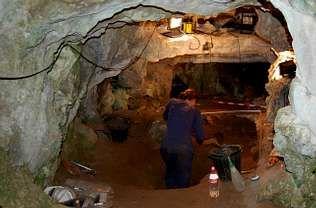 Un aspecto da escavacións feitas o mes pasado na cova de Valdavara