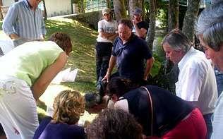Los alumnos tomaron muestra del agua del Dubra y de las fuentes públicas