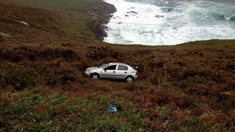 Alarma en Suevos por un coche que cayó por un barranco