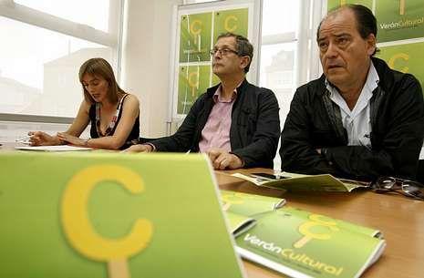 Mar Eirís, Evencio Ferrero e Luciano Calvo presentaron o programa do Verán Cultural.