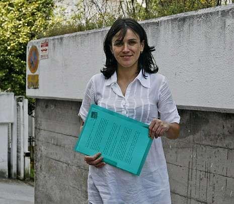 Vanesa Rodríguez, ayer, tras presentar el recurso.