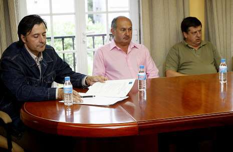 La oposición se queja de que el grupo de gobierno desoyó las peticiones de control de gasto.