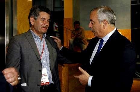 Santos Héctor Rodríguez y Pachi Vázquez, en el congreso provincial del 9 de junio.