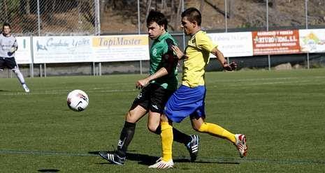 A Valenzá y Polígono, en un partido de Copa Diputación.