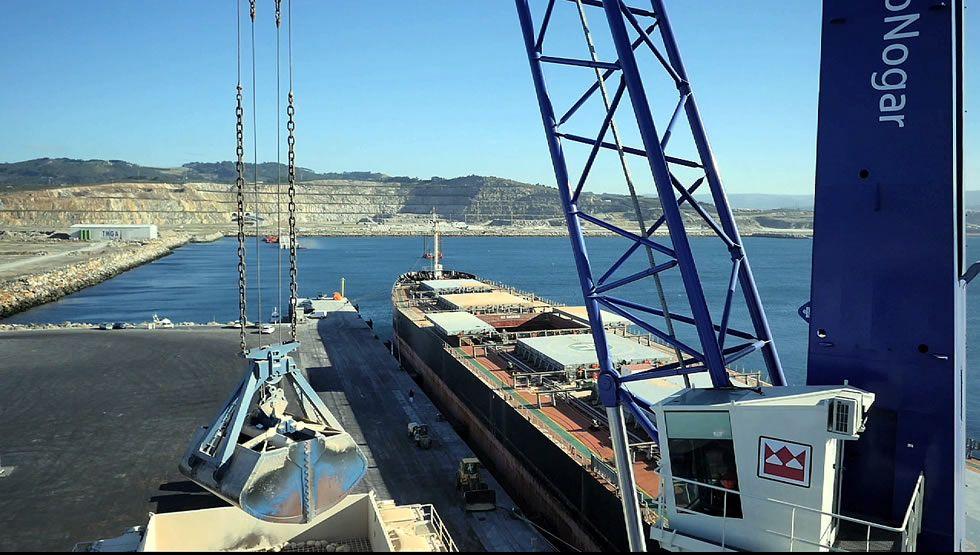 El puerto exterior de A Coruña a vista de dron