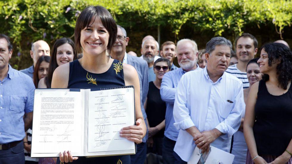 Ana Pontón con los alcaldes del BNG