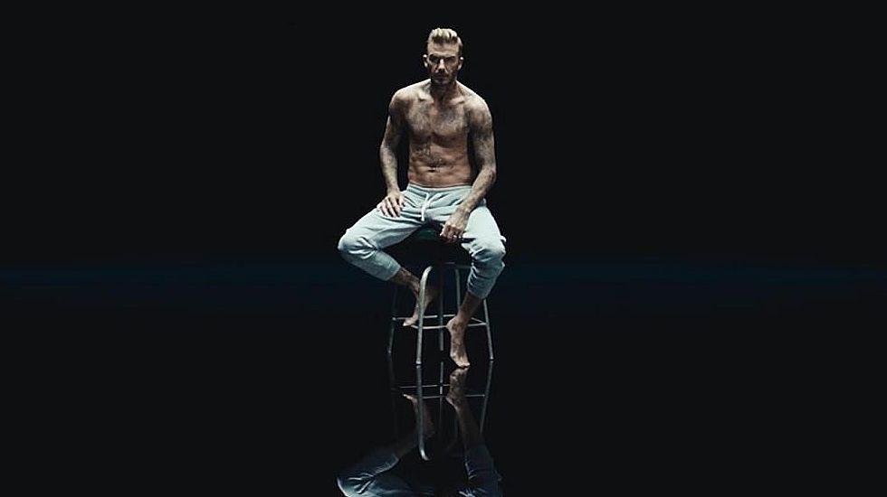 Los tatuajes de Beckham protagonizan una campaña contra el maltrato infantil