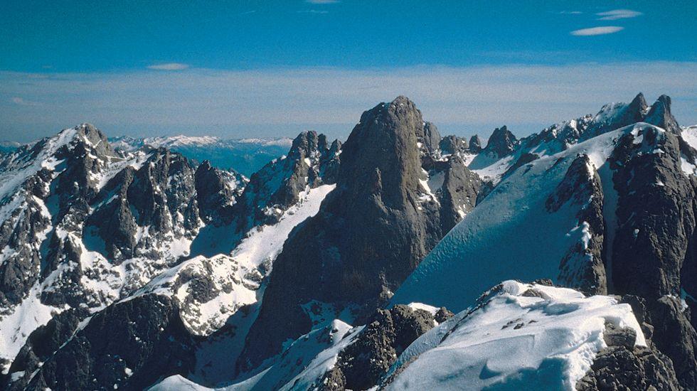 Cumbres nevadas, en Picos de Europa