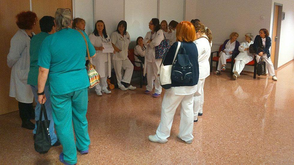 Trabajadores del hospital de Cabueñes protestan por la saturación de trabajo causada por la gripe