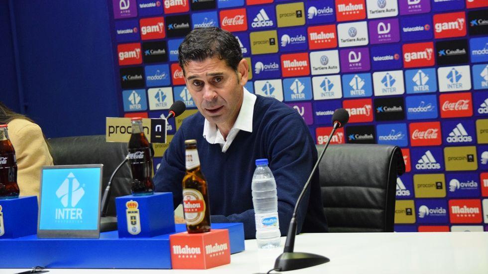 Fernando Hierro en la sala de prensa del Carlos Tartiere