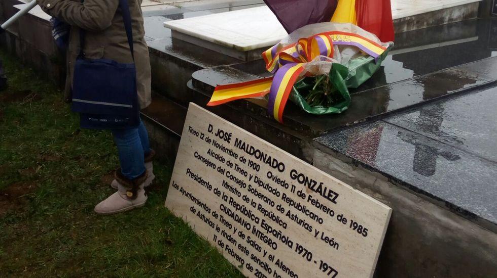 Placa conmemorativa al político asturiano José Maldonado
