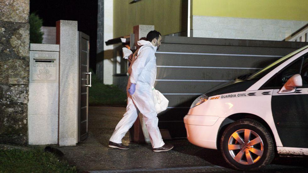 Aparece ahorcada una mujer en A Estrada, y su marido y su madre, muertos a tiros