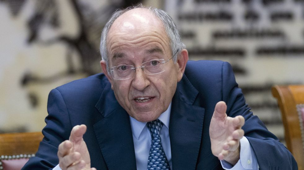 La Audiencia imputa a Fernández Ordóñez por la salida a Bolsa de Bankia