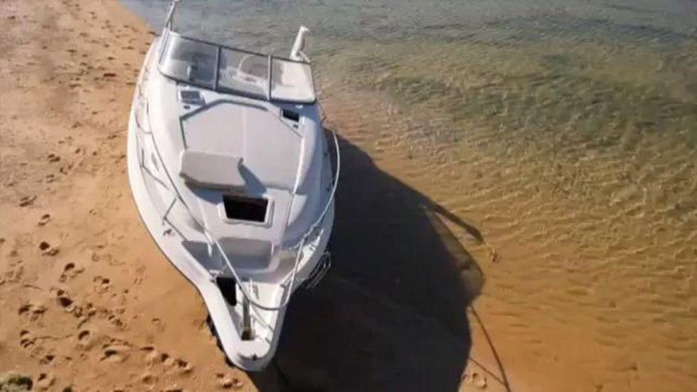 Un hombre se duerme en su barco en Marbella y se despierta en Cádiz