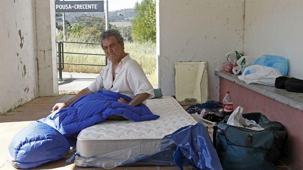 El hombre que recorre España en silla de ruedas sufre una avería en Galicia