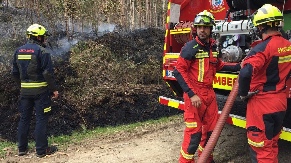 Incendio forestal en Sedes