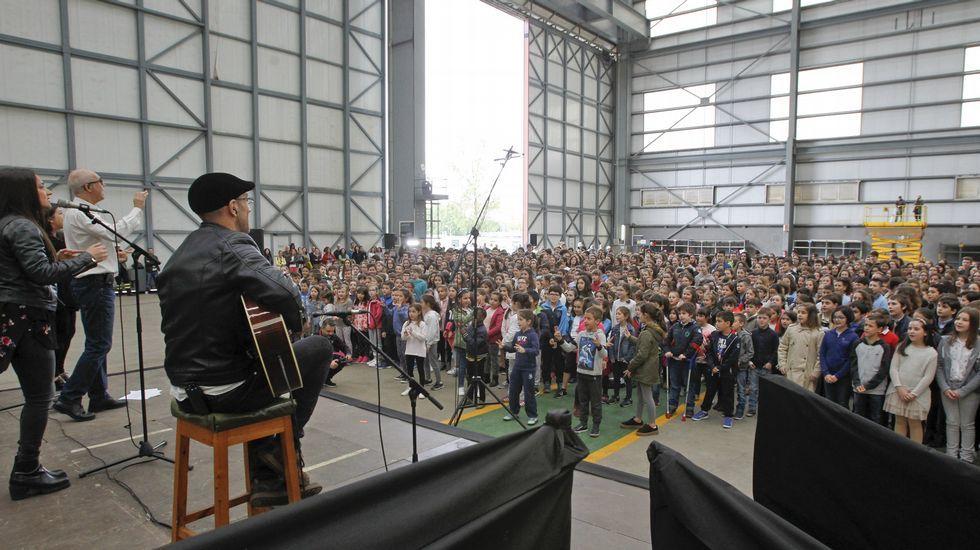Más de mil niños cantan a coro en Navantia