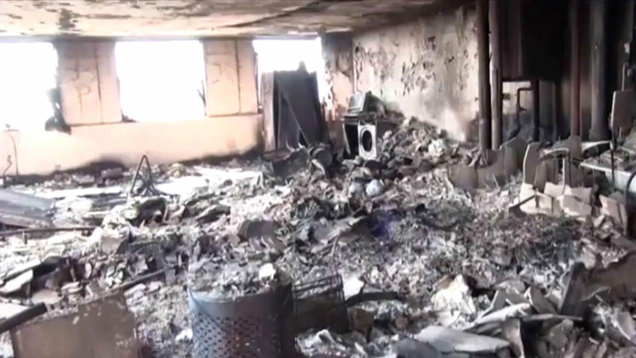 Terribles imágenes del interior calcinado de la Torre Grenfell en Londres