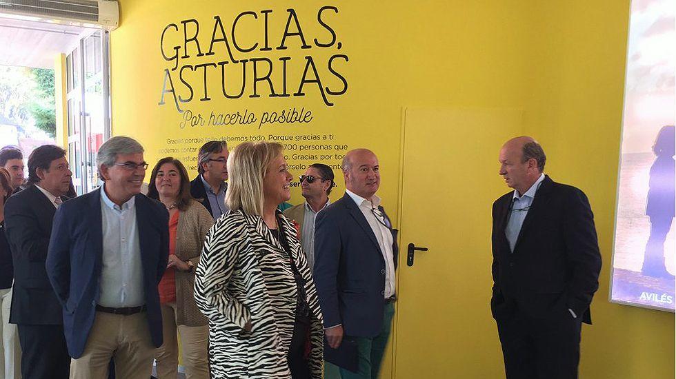 La presidenta del PP, Mercedes Fernández, visita la Feria de Muestras acompañada por Luis Venta y por Mariano Marín