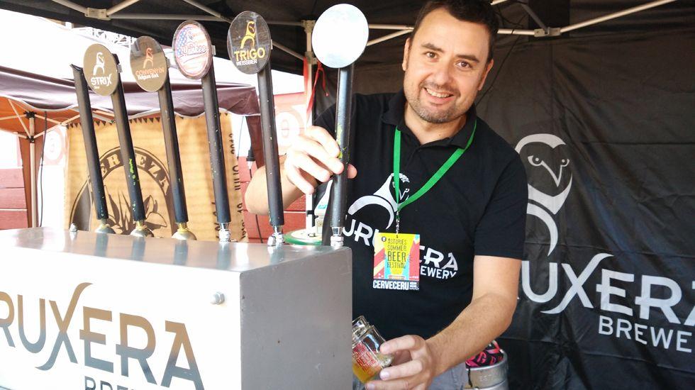 Hugo Suárez, propietario del brewpub L'Espumeru que fabrica la cerveza Curuxera.