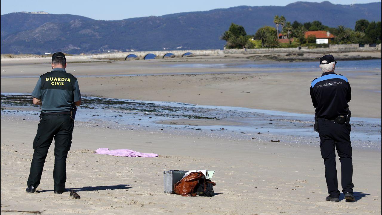 Aparece el cuerpo de una mujer en la playa de Aguieira