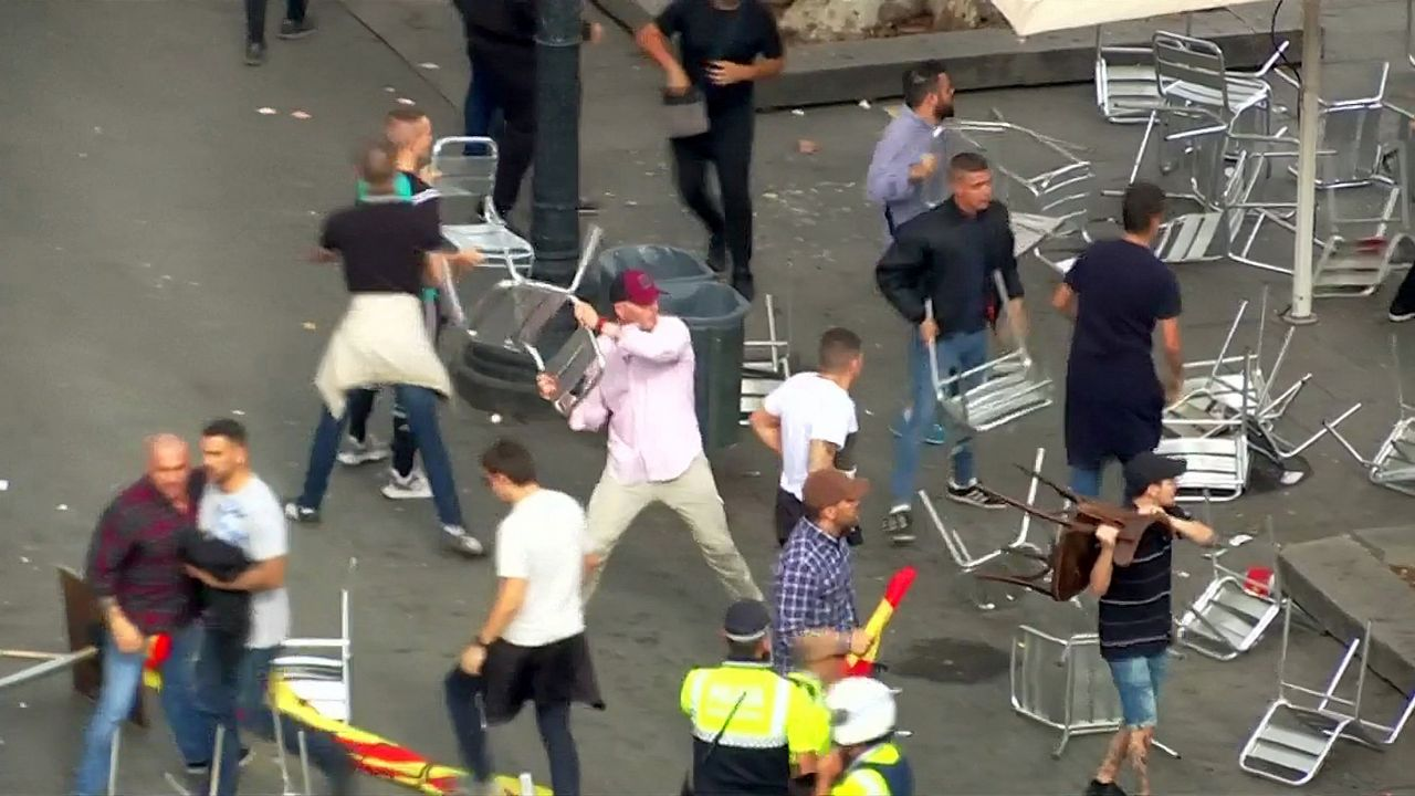 Batalla campal entre ultras en Barcelona