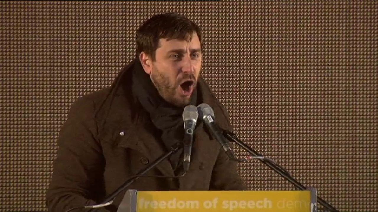 El exconseller Toni Comín al Gobierno: «Sois unos franquistas y tenéis miedo de la democracia»