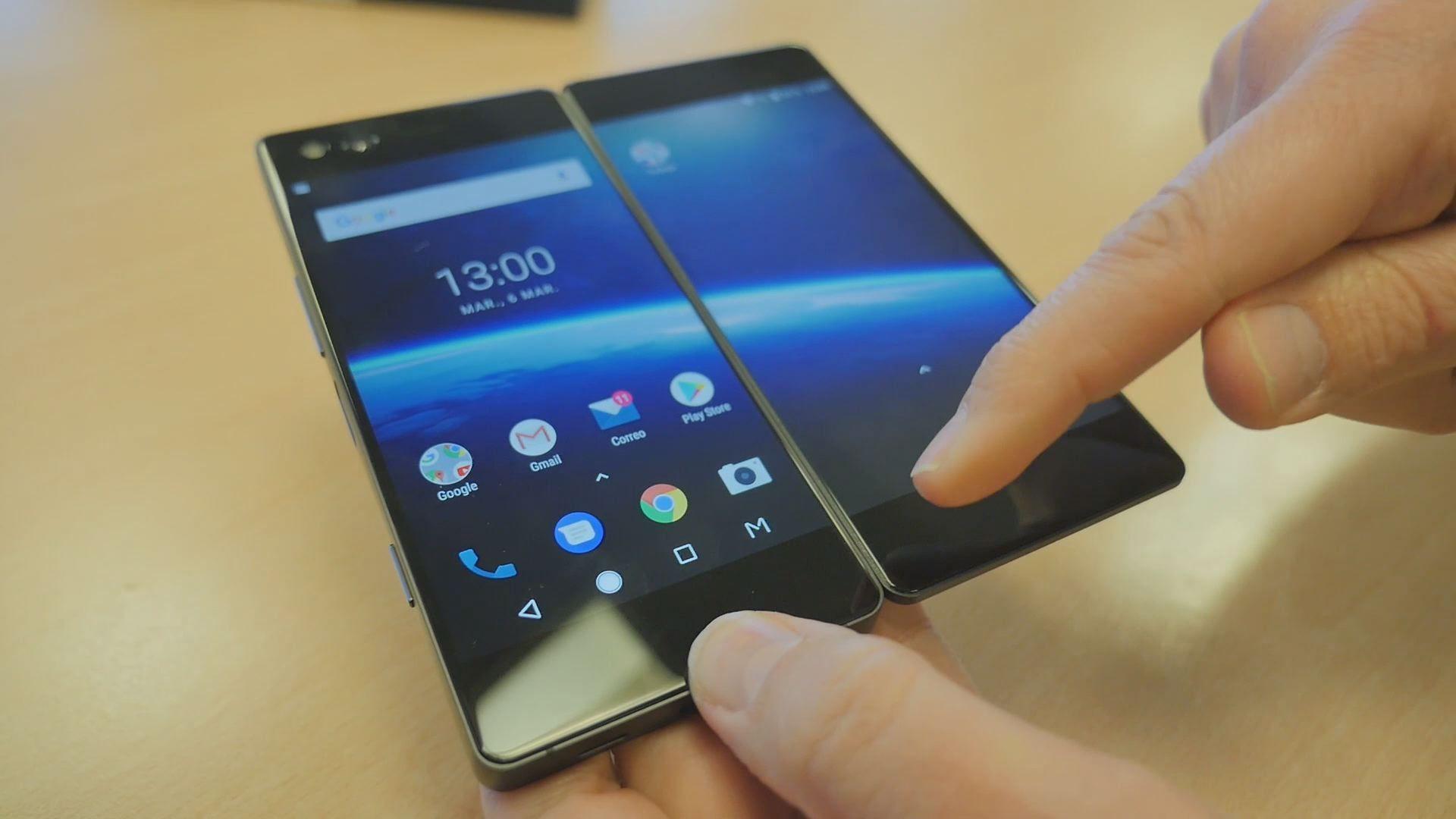 Un móvil, dos pantallas
